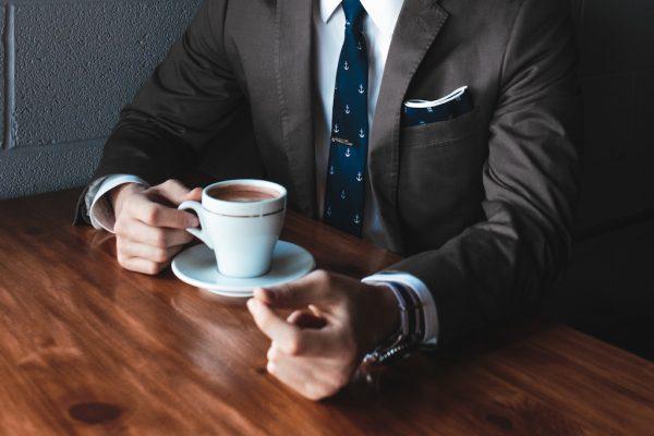 Wie beginne ich ein Interview? Welche Fragen stelle ich?